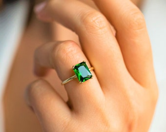 Birthstone Rings, Emerald Rings, 14K Gold Birthstone Rings, Birthstone Jewelry, 14K Emerald Rings, Personalized RIng, Mother's Day Gift