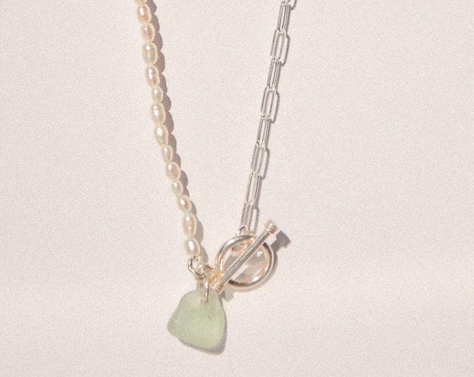 Perles Necklace