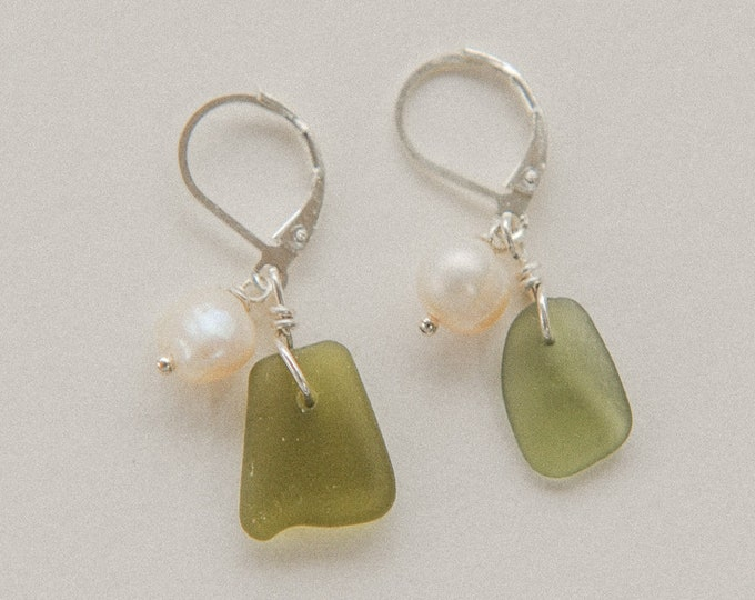 green sea glass & small freshwater pearl levers