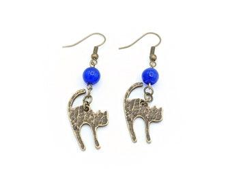 Cat Dangle Earrings, Bronze Cat Earrings, Scaredy Cat Earrings, Hammered Metal Earrings, Halloween Earrings, Black Cat Earrings, Witchy