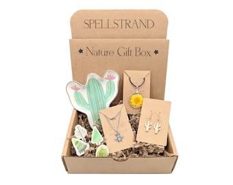 Nature Lover Gift Box for Women, Jewelry Gift Box, Christmas Gift Box for Her, Stocking Stuffer Gift Set, Holiday Gift Set, Plant Lover Gift