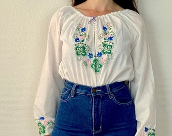 1970s Hungarian embroidered peasant blouse - Size S