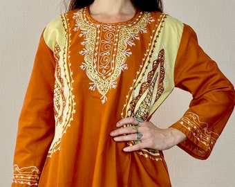 1970s embroidered Sienna colored Moroccan kaftan dress - Size L