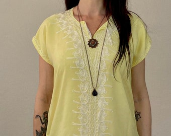 1970s embroidered pale yellow Moroccan kaftan dress - Size S