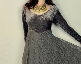 1990s Gray velvet and lace maxi dress - Size M L