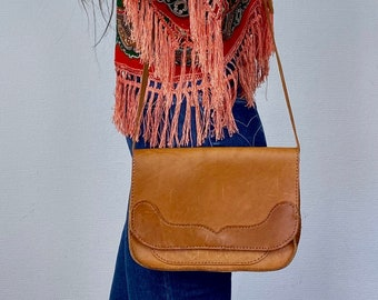 1970s tan leather bag.