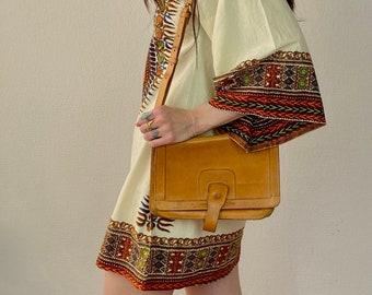 1970s tan leather bag.