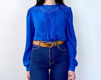 1980s blue cutwork lace blouse - Size S-M