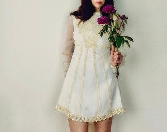 1970s Edwardian inspired wedding dress - Size XS