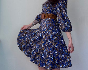 1970s Blue floral prairie dress - Size S