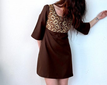 1970s brown mini dress with gold lace - Size S