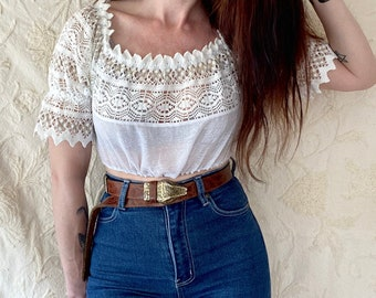 1970s cropped white crochet peasant blouse - Size XS