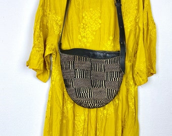 1990s geometry sisal bucket bag.