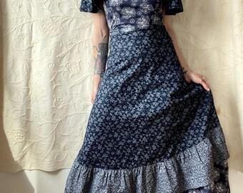 1970s Liberty print prairie dress - Size XS