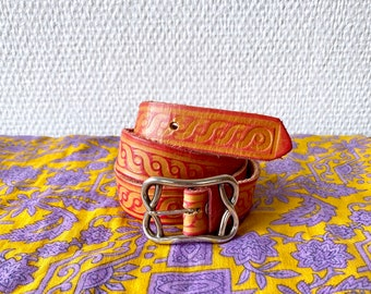 1970s tooled western leather belt - Size S M
