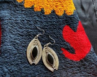 1970s black stone kuchi earrings