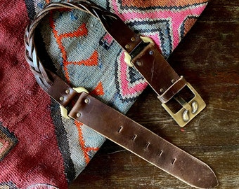 1970s braided leather belt with large stamped buckle - Size S-L