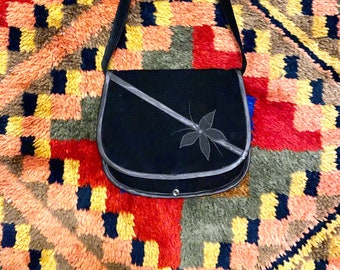 1970s black velvet shoulder bag.