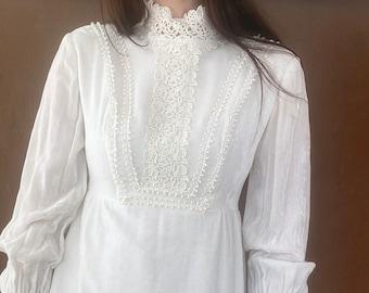 1970s Edwardian inspired white velvet wedding dress - Size XS - S
