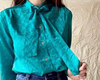 1970s green secretary bowtie blouse - Size S