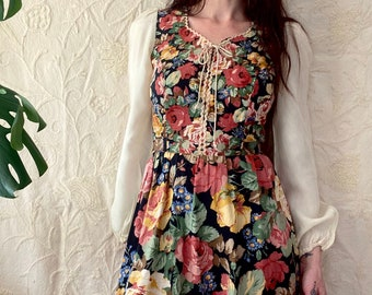 RESERVED!! Don't buy. 1970s floral cotton Gunne Sax style prairie dress - Size XS - S