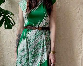 1970s Green leaf print maxi dress - Size M