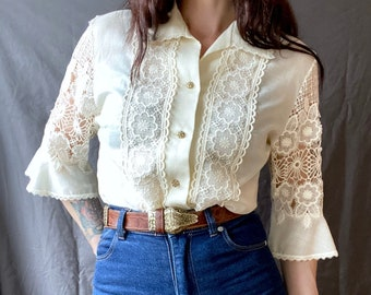 1970s creamy white peasant blouse with lace inserts - Size S/M
