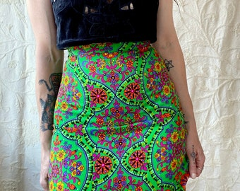 1970s green psychedelic floral maxi skirt- Size XXS
