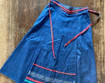 1970s midi denim skirt with liberty print ribbon - Size S M