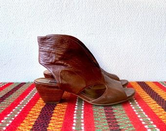 1990s tan leather sandals - size 38 EU