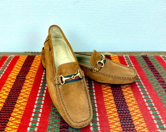 Gucci suede horsebit loafers - size 39 Euro / 8,5 US
