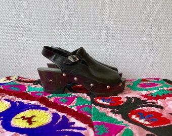 1990s black leather platform sandals - size 39 Euro / 9 US