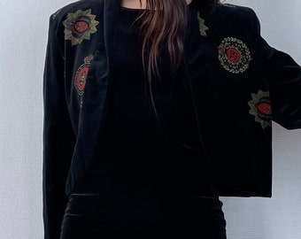 1980s Black velvet cropped jacket  - Size M L