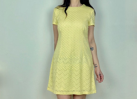 1960s pastel yellow lace mini dress  - Size M