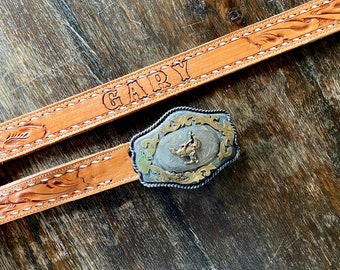 1970s tooled leather western belt w. cowboy rodeo buckle  - Size L/XL