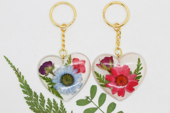 Real Pressed Flower KeychainsPersonalized GiftsDaisyBaby/'s BreathHandmadeResin CraftMomMother/'s DayGift for HerFree Shipping