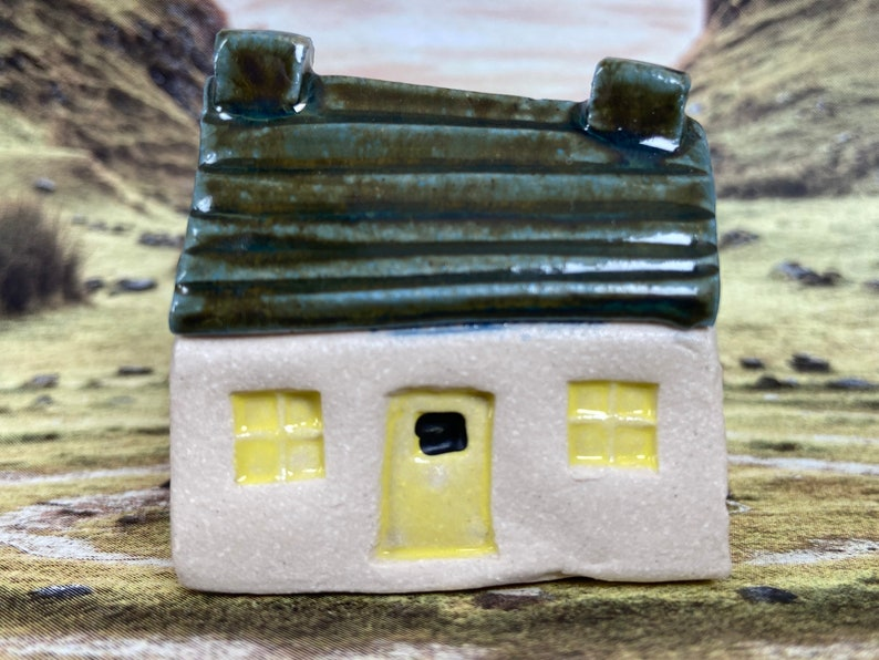 Bothy Moss Horizontal Roof PennyPottery Original 1220C Fired image 0