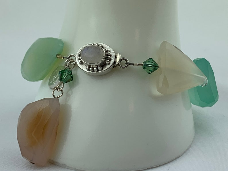 Beautiful 7.5 Bracelet For Casual Day or Dressy Night; Perfect Mother/'s Day or Easter Gift! Mint Green /& Peach Chalcedony Bold Statement