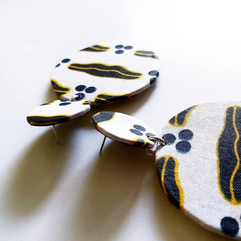 Ethnic medium-sized wax earrings