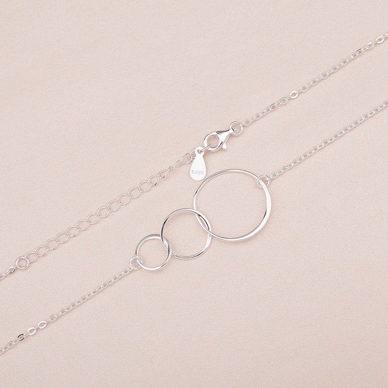 Custom 925 Sterling Silver 3 Interlocking Circles Necklace Gifts for Mom Mothers Day Gift from Daughter Mother and Two Children Necklace