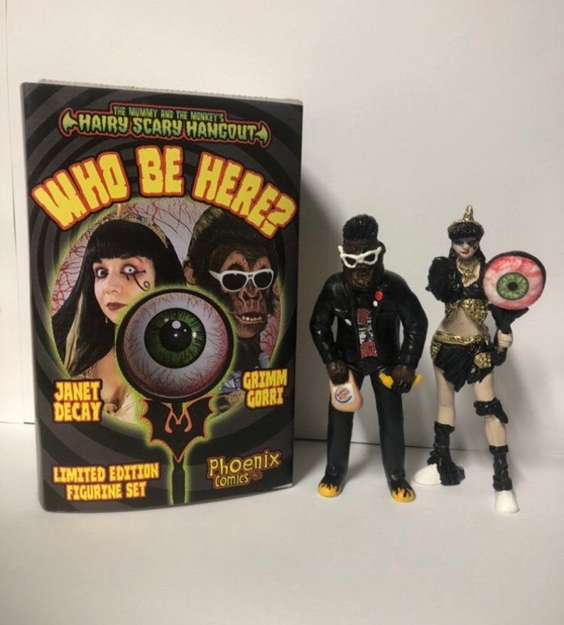 Who Be Here LE The Mummy and the Monkey figurine set