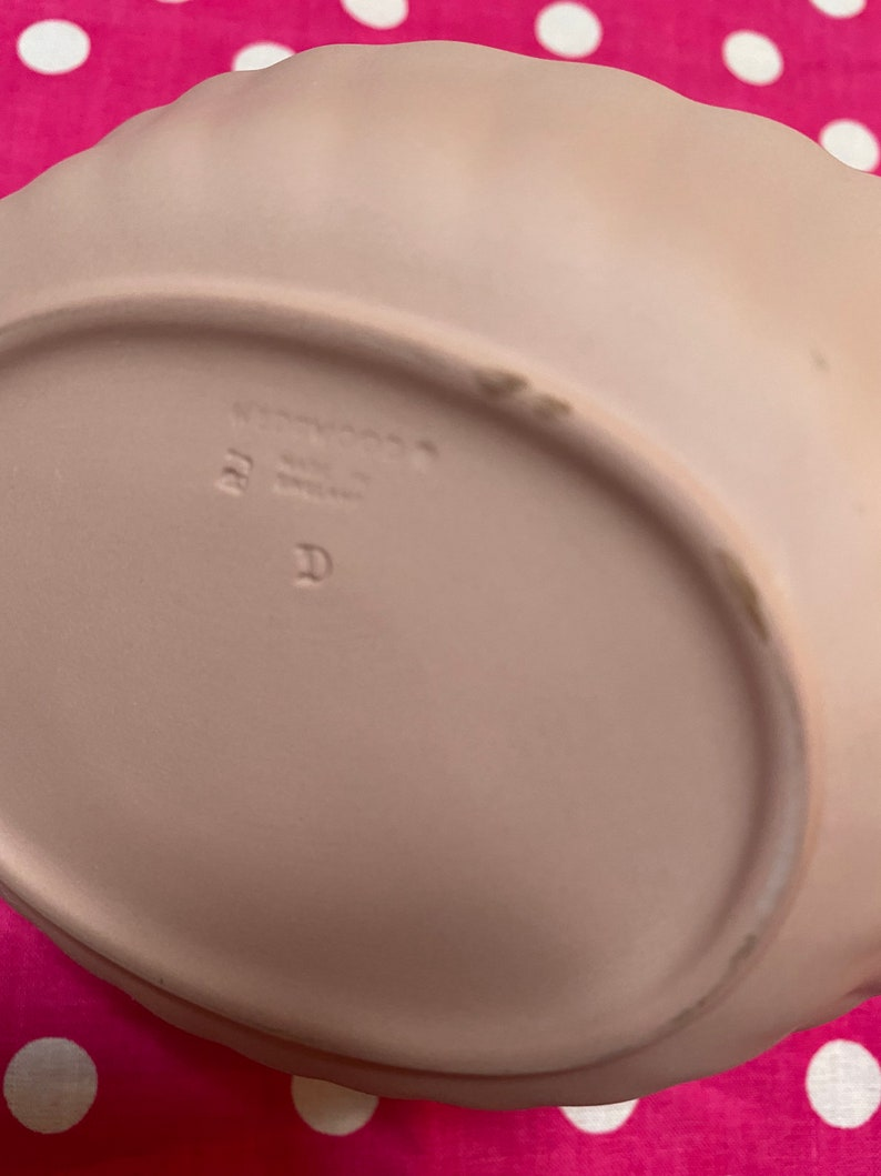 Authentic Pink Wedgwood basket /& ring holder