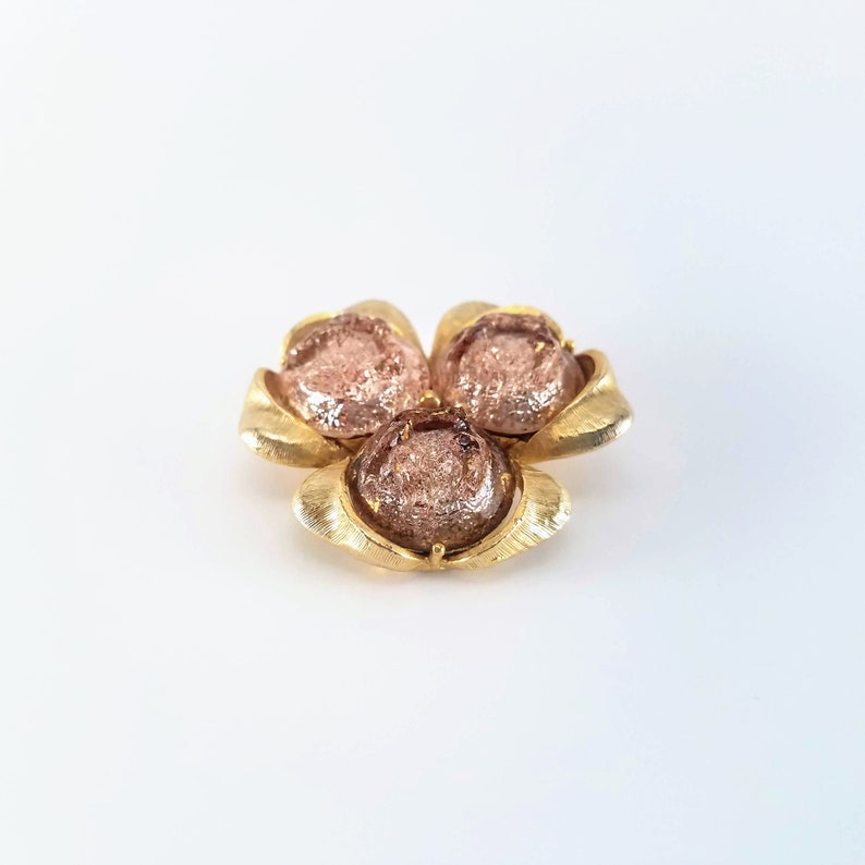 Statement clover brooch 1980/'s costume jewelry for women gift Vintage gold tone brooch with dusty pink cabochons