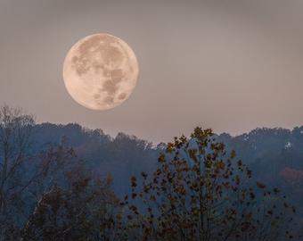 Setting Super Moon