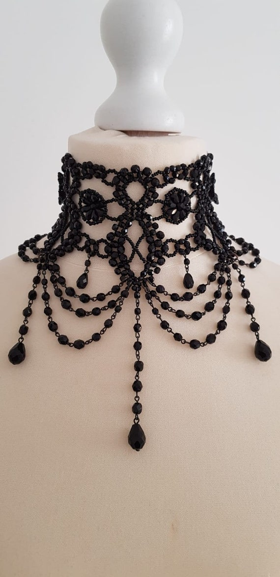Victorian style choker necklace