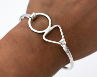 Sterling Silver Chunky Open Circle Karma Bangle with Hinged opening