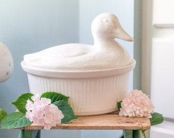 Vintage White Duck Tureen | Ceramic Covered Casserole Dish | Made in California USA | Ceramic Pottery Lidded Serving Bowl