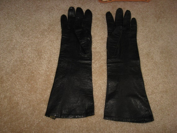 Vintage elegant gloves, soft Black leather gloves,