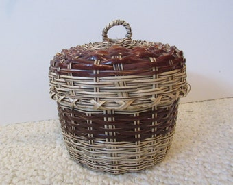 Small Basket Container with Lid