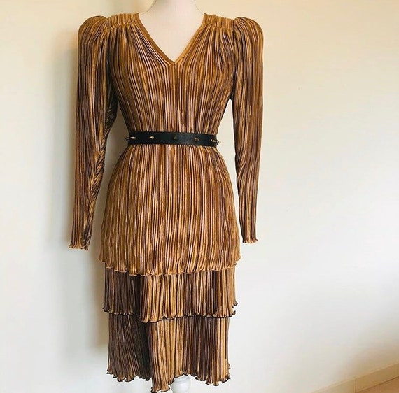 Elegant copper coloured pleated Jeanne Marc two-pi